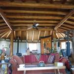 Pohled na střechu připomíná tibetské mandaly - čtverec v osmiúhelníku