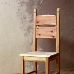 Klasická dřevěná židle